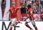 """Bundeslīga beigusies: Levandovskis pārraksta vēsturi, """"Stuttgart"""" izkrīt"""