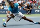 """Monfīss viegli uzvar franču duelī un nopelna pirmo """"US Open"""" pusfinālu"""