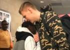 Video: Aiversons satiekas ar Porziņģi un slavē latvieti