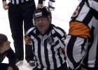 Video: KHL amerikāņu uzbrucējs diskvalificēts par tiesneša notriekšanu