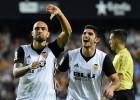"""Vai pārsteidzošā """"Valencia"""" sagādās pirmo zaudējumu """"Barca"""" un tiks tai klāt?"""