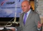 Feriāni pēc pārvēlēšanas IBSF prezidenta amatā sola lielāko sacensību atgriešanos Krievijā