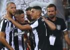 """Maskavas """"Spartak"""" izlaiž 2:0 pārsvaru, neiesit pendeli un zaudē Grieķijā"""