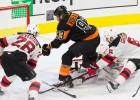 """Makkinons turpina rezultativitātes sēriju, Vorāčeks atnes """"Flyers"""" uzvaru"""