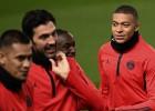 """Grandu duelis: """"United"""" uzņems bez Neimāra un Kavani spēlējošo PSG"""