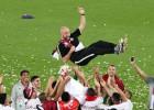 2022. gada Pasaules kausa rīkotāja Katara pagarina līgumu ar treneri Sančesu