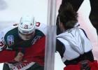 Video: KHL kautiņā krievu jauneklis izglābjas un pieveic dūšīgu kanādieti