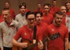 Video: Saldus futbolisti vienojas kopīgā dziesmā par godu Sieviešu dienai