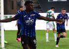 """Tiek izraidīts """"Atalanta"""" treneris, komanda iesit četrus; uzvar arī """"Inter"""""""