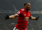 """""""United"""" dramatiskā mačā uzvar """"Chelsea"""" un turpina cīņu par <i>Top 4</i>"""