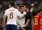 Anglijai neieskaita vārtus kompensācijas laikā, Spānija nosargā uzvaru
