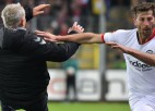 """""""Eintracht"""" kapteinis par pretinieku trenera nogāšanu diskvalificēts līdz gada beigām"""