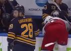 Video: Girgensons neitralizē pretinieku un iekļūst NHL jocīgākajos momentos