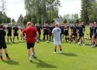 Latvijas Futbola federācija atjaunojusi treneru prēmēšanas programmu