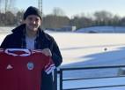 Latvijas izlases futbolists un Liepājas audzēknis Kārkliņš atgriežas Vēju pilsētā