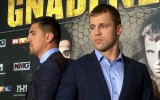 Foto: Briedis un Huks tiekas preses konferencē