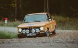 """Foto: Rallijā """"Latvija"""" startē arī vēsturiskie auto"""