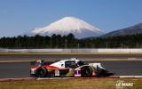 """Foto: Calko aizvada sacīkstēs Japānas """"svētā kalna"""" pakājē"""