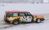 """Foto: Klasiskie """"Volvo"""" demonstrē sānslīdes ziemas rallijā"""