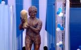 Video: Indijā atklāj Maradonas statuju