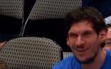Video: Marjanovičs otrajā mačā pēc kārtas Dalasā izsit bumbu no groza konstrukcijas