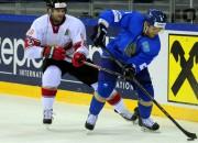 Kazahstāna turpina perfekti, mājiniekiem poļiem pirmā uzvara