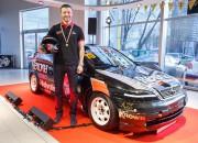 Jānis Vanks prezentē jauno komandu 2015. gada Baltijas autošosejas čempionātam