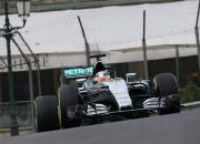 Hamiltons ātrākais F1 treniņos Monako ielās, pārsteidz Verstapens