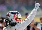 """Hamiltons aizraujošā cīņā triumfē Lielbritānijas """"Grand Prix"""""""