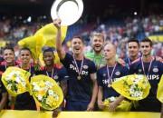 """""""PSV Eindhoven"""" desmito reizi iegūst Nīderlandes Superkausu"""