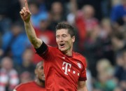 """""""Bayern"""" četri vārti pirmajā puslaikā un graujoša uzvara"""