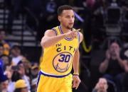 """""""Warriors"""" grauj """"Lakers"""" un uzstāda NBA rekordu – 16 uzvaras 16 spēlēs"""