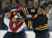 """""""Sabres"""" ielaiž septiņus vārtus, """"Kings"""" iemet deviņas ripas Bostonā"""