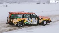 """Klasiskie """"Volvo"""" demonstrē sānslīdes ziemas rallijā"""