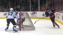 AHL spēlē gūti vārti lakrosa stilā