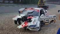 """Blušs pirms drifta ātruma rekorda uzstādīšanas sadauza savu """"BMW"""""""