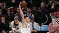 """Porziņģis pēdējā ceturtdaļā nodrošina """"Knicks"""" panākumu pret Atlantu"""