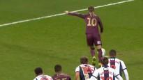 Futbolists īpatnējā veidā nerealizē 11m soda sitienu