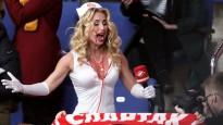 """""""Spartak"""" TV reportiere sapucējas uz hokeju Helovīnā (16+)"""