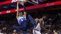 Porziņģis iekļūst NBA sezonas dankos, triumfē Džeimss