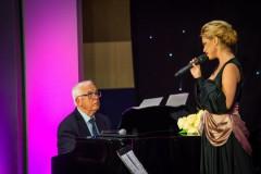 Video: Samanta Tīna iedzied vienu no skaistākajām Raimonda Paula dziesmām