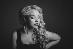 Ieva Sutugova gatavojas debijas albuma prezentācijai un prezentē pirmo singlu