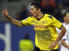 """Dortmundei derbijā iespēja nodrošināt titulu, """"Bayern"""" spēlēs Brēmenē"""