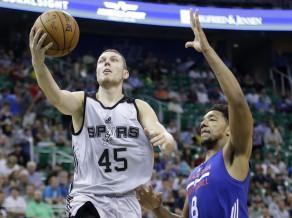 2015-07-07_spurs_76ers_basketball_jpeg_0