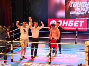 EČ medaļnieks Grišuņins izcīna otro profesionālo uzvaru (+video)