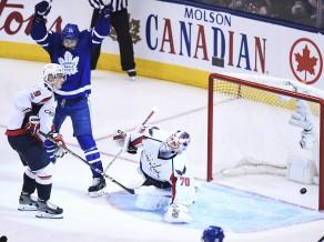 """Pagarinājumu naktī """"Maple Leafs"""" pārņem vadību pret """"Capitals"""""""