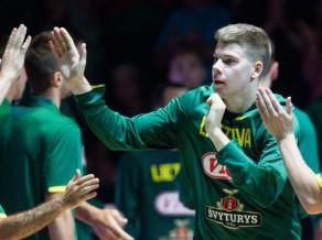 No Lietuvas izlases atskaita aizsargu, paliek vēl 16 spēlētāju