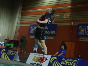 """Vīriešu un sieviešu badmintona izlases ar """"sausajiem"""" zaudējumiem turpina Eiropas komandu čempionātu"""