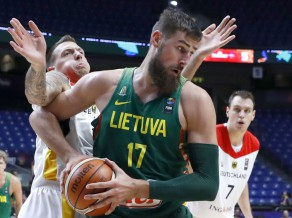 Lietuvas ceļā grieķi, Vācija spēkosies ar Franciju, somiem duelis ar Itāliju