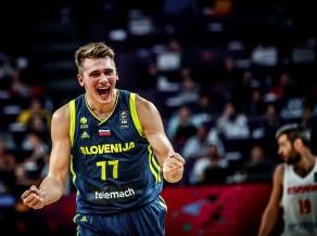 Lieliskā Slovēnija satriec vareno Spāniju un iekļūst finālā